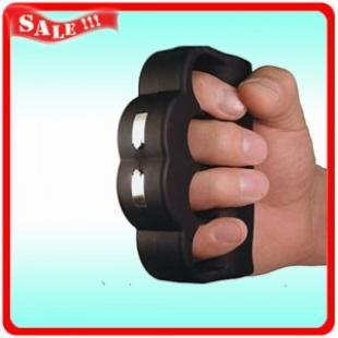 手握电击棒 手握电击器 五指手握电击器